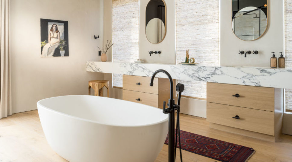 Black and Gold and Chic All Over, Mixed-Finish Hardware Is a Cool Trend for Kitchens and Baths