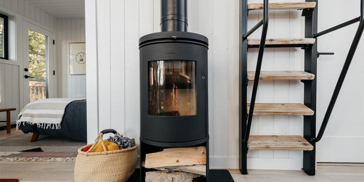 tiny-wood-stove-airbnb-klickpat-washington